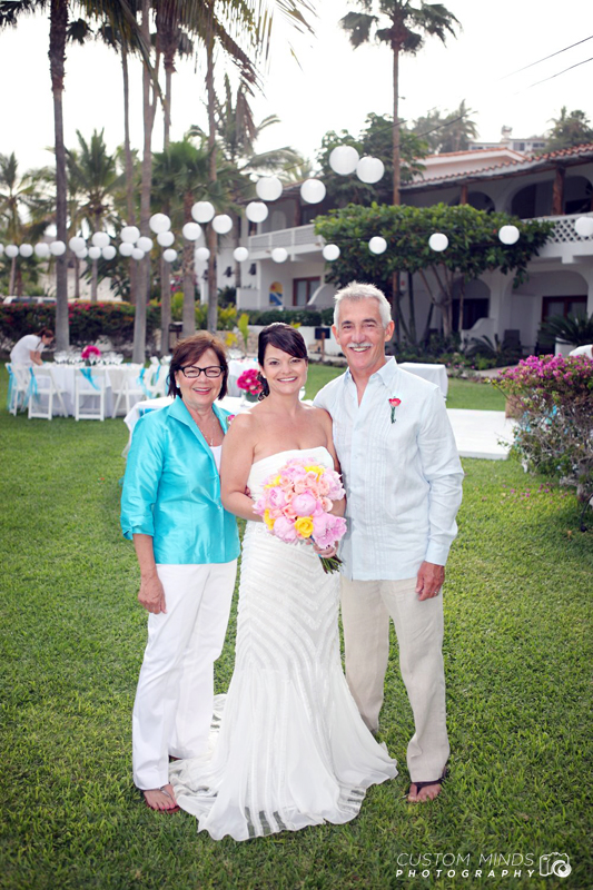 Bride and family in Cabo San Lucas Mexico