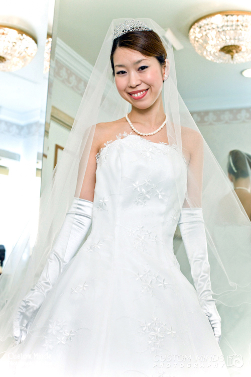 bride in the changing room ready to get married