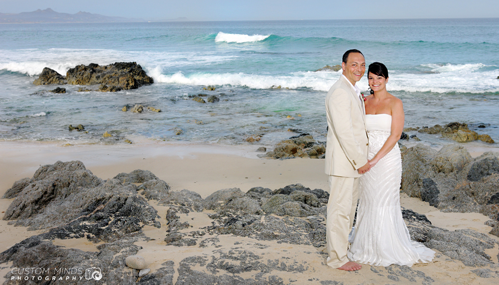 bride and Groom on the beach in Cabo San Lucas